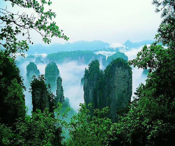 4 days Escape to Zhangjiajie-Forest Park, YellowDragonCave, BaofengLake