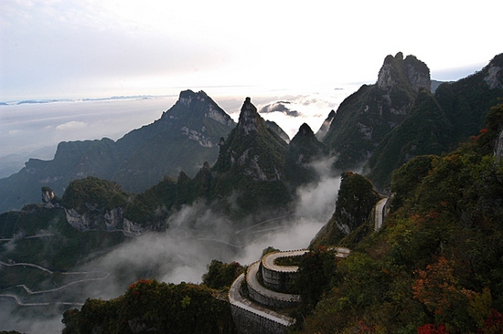 Tianmenshan Heaven-Linking Avenue