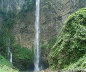 Xiangxi Fenghuang Jian-Duoduo Waterfall