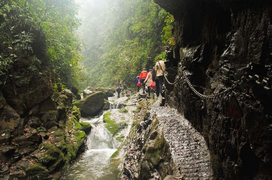 1 Day Join-In tour to Red Stone Forest-Zuolong Gorge-Furong Town