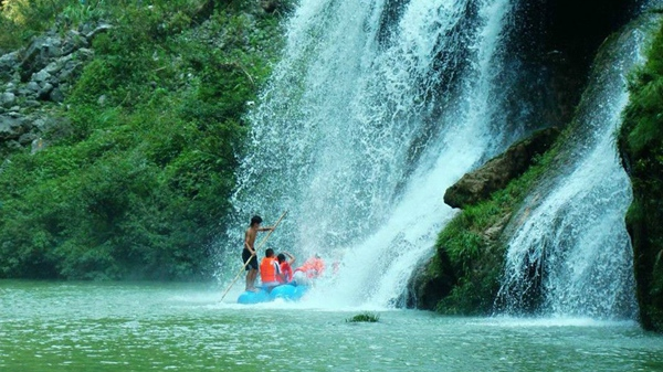 1 Day Join-in tour to Furong-town and Rafting in Mengdong river