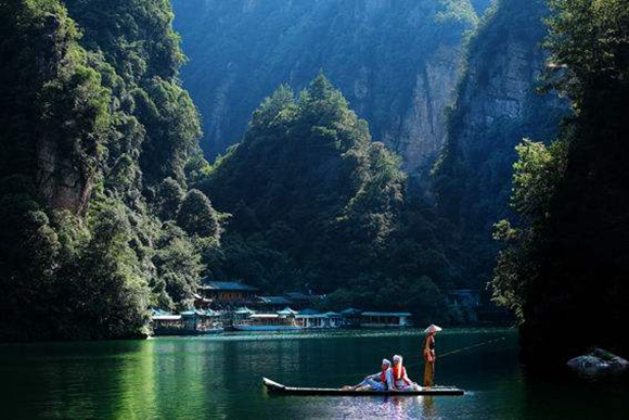 Baofeng Lake Tourism Guide Words