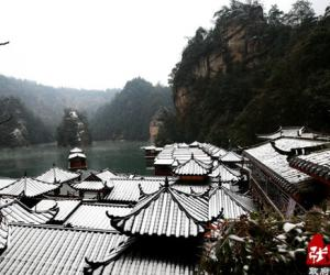 Ice and snow adds beautiful for Baofeng lake tourism