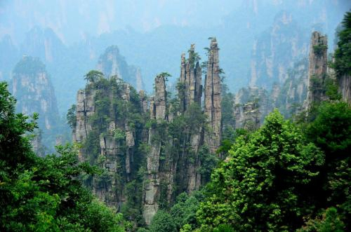 Zhangjiajie package service for family self-help tourism