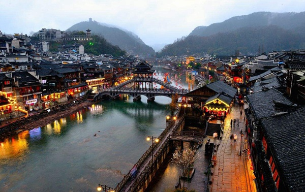 2 Days Zhangjiajie local join-in tour to Fenghuang ancient town