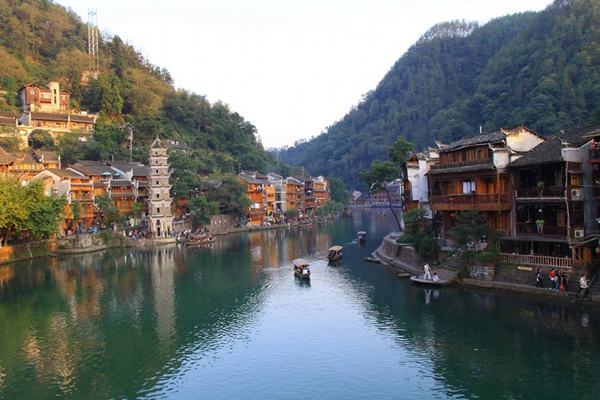 5D4N Private tour for Yichang-Zhangjiajie-Fenghuang-Tongren airport