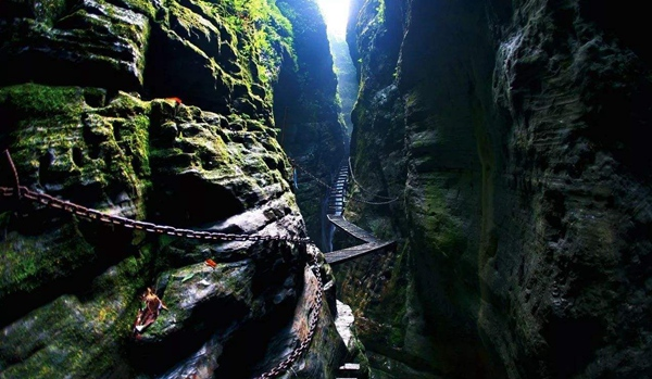 7D6N Relax tour for Zhangjiajie-Glass bridge-Tianmenshan-Zuolong Gorge-Rock Stone Forest-Fenghuang