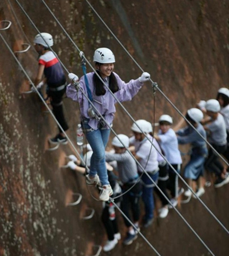 2N3D Private tour for Zhangjiajie Avatar Park + Hongyanling Rock Climbing